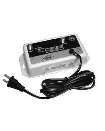 UHF/VHF/FM Amplificateur de distribution avec piège FM